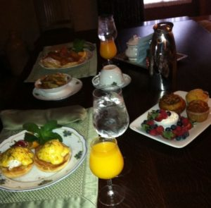 Breakfast in the suite at Lynfred Winery. Photo by J Jacobs)