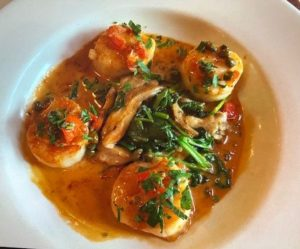 Scallops with oyster mushrooms (Debbie Jacobs photo)